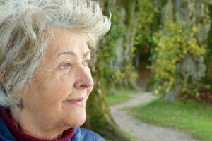 Frau im Ruhestand fit und aktiv